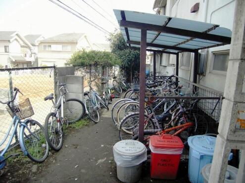 自転車置き場の様子。(id:8460 ...
