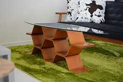 個性的なセンターテーブル。(2015-01-20,共用部,LIVINGROOM,2F)