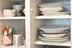 食器棚の様子。(2016-07-03,共用部,KITCHEN,1F)