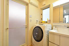 洗濯機はドラム式です。(2016-07-03,共用部,LAUNDRY,1F)
