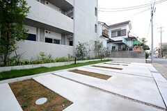 駐車場の様子。(2014-10-10,共用部,GARAGE,1F)