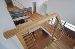 専有部前の階段の様子。ハシゴを伝えばルーフバルコニーへ出られます。(2013-07-19,専有部,ROOM,2F)