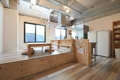 ダイニングはキッチンと併設されています。(2014-06-03,共用部,KITCHEN,1F)