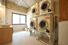 ランドリールームには洗面台が設置されています。(2014-06-03,共用部,LAUNDRY,1F)