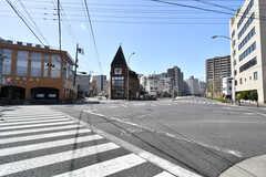 近くの交差点の様子。(2018-03-30,共用部,ENVIRONMENT,1F)