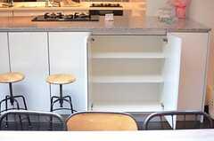 カウンター下は部屋ごとの収納スペースです。(2014-06-03,共用部,KITCHEN,6F)