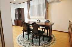 キッチン側から見たダイニング・テーブルの様子。(2012-12-09,共用部,LIVINGROOM,1F)