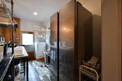 冷蔵庫は大型です。(A棟)(2018-05-23,共用部,KITCHEN,1F)