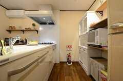 キッチンの様子。(2015-09-24,共用部,KITCHEN,1F)