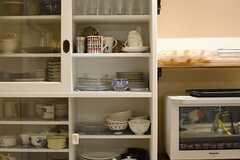 食器棚の様子。(2015-09-24,共用部,KITCHEN,1F)