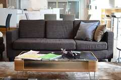 スリーシーターのソファ。(2014-03-19,共用部,LIVINGROOM,1F)