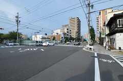 シェアハウスから名古屋市営地下鉄桜通線・桜山駅へ向かう道の様子2。(2012-08-17,共用部,ENVIRONMENT,1F)