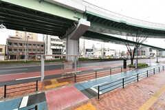 シェアハウスの目の前にはバス停があります。(2017-03-21,共用部,ENVIRONMENT,1F)