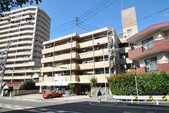 マンションの外観。5階がシェアハウスです。(2012-10-26,共用部,OUTLOOK,1F)