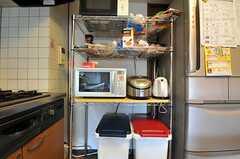 キッチン家電の様子。(2012-10-26,共用部,KITCHEN,5F)
