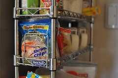 なにやらアジアンな食材も置かれています。(2012-10-26,共用部,KITCHEN,5F)
