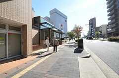 名古屋市営地下鉄名城線・八事日赤駅の様子。駅の隣には病院があります。(2012-10-26,共用部,ENVIRONMENT,1F)