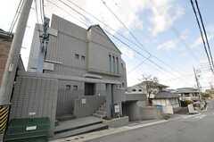 マンションの外観。1室がシェアハウスです。(2013-02-25,共用部,OUTLOOK,1F)