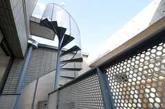 ベランダのらせん階段の様子2。(2013-02-25,共用部,OTHER,2F)