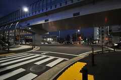 シェアハウス近くの交差点の様子。(2012-10-26,共用部,ENVIRONMENT,1F)