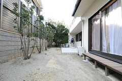 庭の様子2。(2013-02-25,共用部,OTHER,1F)
