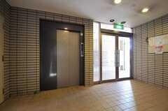 エレベーターでシェアハウスのある14Fへ。(2011-10-16,周辺環境,ENTRANCE,1F)