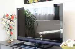 共用TVの様子。HDD録画にも対応しています。(2011-10-16,共用部,TV,14F)