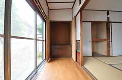 収納の様子2。(102号室)(2011-06-11,専有部,ROOM,1F)
