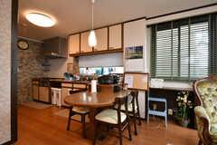 キッチン脇のテーブル席。(2017-07-11,共用部,LIVINGROOM,2F)