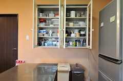 食器棚の様子。(2013-03-22,共用部,KITCHEN,1F)