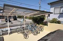 自転車置場の様子。(2011-04-23,共用部,GARAGE,1F)