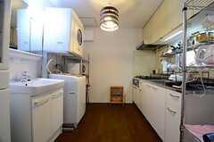 キッチンの様子。(2015-03-18,共用部,KITCHEN,1F)
