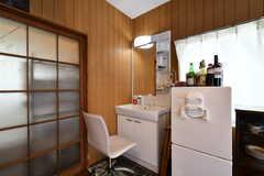 冷蔵庫脇は洗面台です。(2018-05-17,共用部,WASHSTAND,1F)