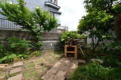 庭にはレンガで作られた薪窯が設置されています。(2018-05-17,共用部,OTHER,1F)