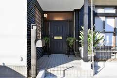 玄関ドアの様子。(2020-01-09,周辺環境,ENTRANCE,1F)