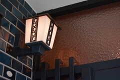 レトロな雰囲気の外灯。(2020-01-09,周辺環境,ENTRANCE,1F)