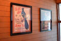 室内には絵がいくつも飾られています。(2020-01-09,周辺環境,ENTRANCE,1F)