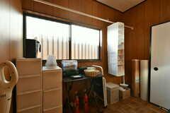 ストックルームの様子。掃除用具や消耗品が置かれています。(2020-01-09,共用部,OTHER,1F)