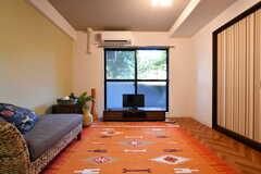 リビングの様子2。モデルルームです。(104号室)(2017-08-09,共用部,LIVINGROOM,1F)