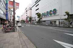 各線・津田沼駅からシェアハウスへ向かう道の様子。(2013-04-19,共用部,ENVIRONMENT,1F)