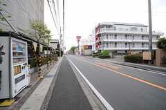 各線・津田沼駅からシェアハウスへ向かう道の様子2。(2013-04-19,共用部,ENVIRONMENT,1F)