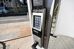 玄関の鍵はオートロックです。(2009-02-17,周辺環境,ENTRANCE,1F)