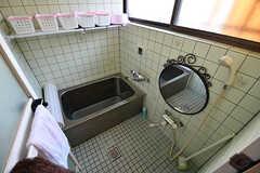バスルームの様子。専有部ごとにシャンプーなどを収納できます。(2016-10-24,共用部,BATH,1F)