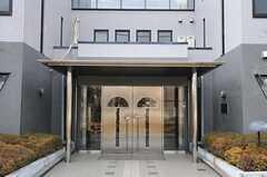 シェアハウスの正面玄関。(2013-03-04,周辺環境,ENTRANCE,1F)