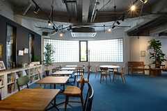 カフェスペースの様子。(2013-03-08,共用部,LIVINGROOM,1F)