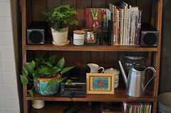本棚には食に関する本がたくさん。(2013-03-08,共用部,OTHER,1F)