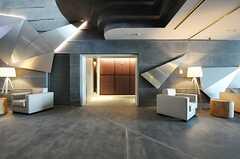 エントランス・ホールはエレベーターホールにつながっています。(2014-02-18,共用部,OTHER,1F)