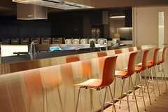 カウンターキッチンの様子。(2014-02-28,共用部,LIVINGROOM,1F)