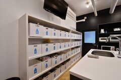 部屋ごとに使える収納ボックス。食材などを保管しておけます。(2020-10-01,共用部,KITCHEN,1F)