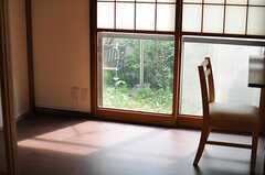 板間の様子。(101号室)(2013-10-23,共用部,KITCHEN,1F)